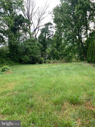 Photo of 106 GOVERNOR STABLE ROAD, ELIZABETHTOWN, PA 17022 (MLS # PALA183508)