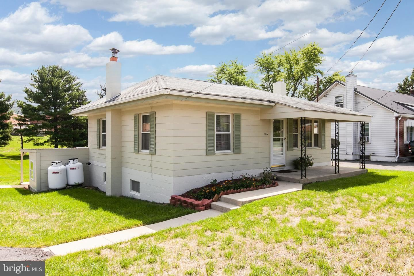 Photo of 106 MAPLE AVE, BOONSBORO, MD 21713 (MLS # MDWA179512)