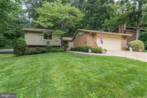 Photo of 5337 BLACK OAK DR, FAIRFAX, VA 22032 (MLS # VAFX1072516)