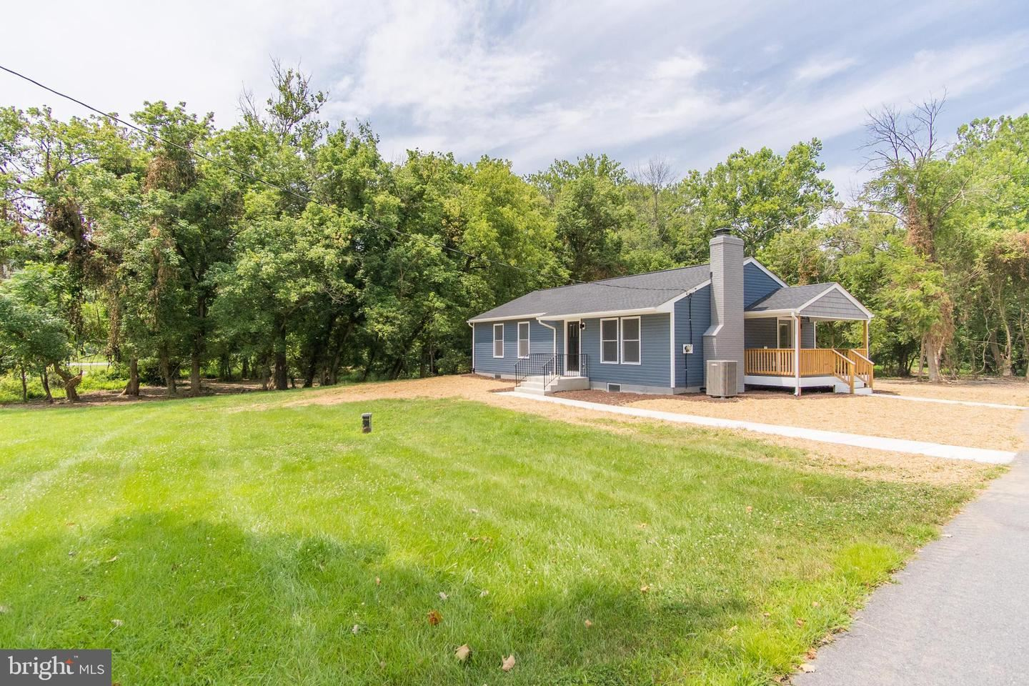 Photo of 9730 REICHS FORD RD, IJAMSVILLE, MD 21754 (MLS # MDFR2002516)