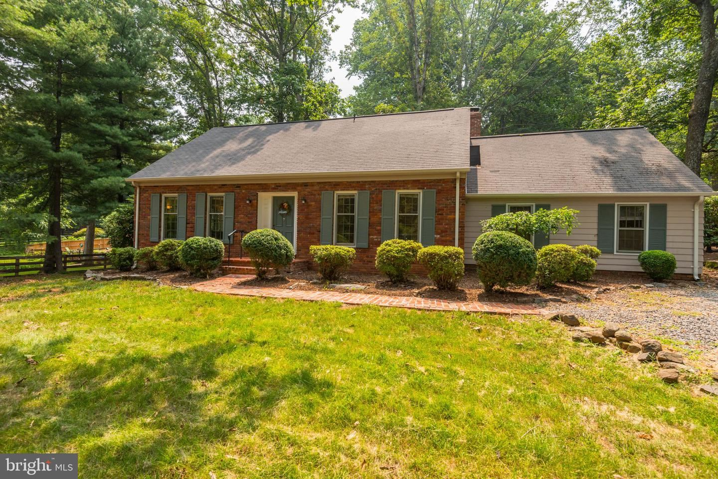 Photo of 41299 RED HILL RD, LEESBURG, VA 20175 (MLS # VALO2003518)