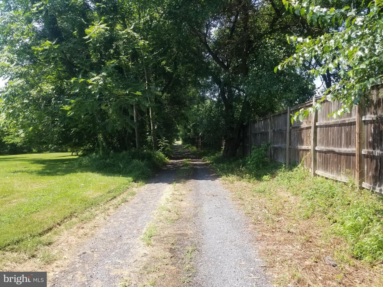 Photo of 13635 DARNESTOWN RD, DARNESTOWN, MD 20878 (MLS # MDMC717520)