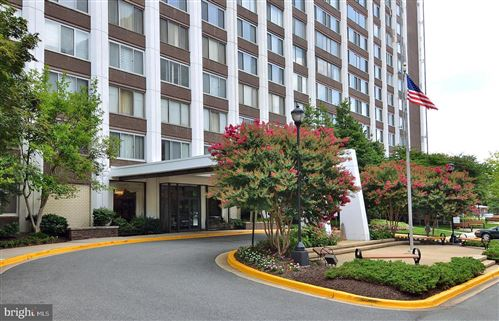 Photo of 11801 ROCKVILLE PIKE #1001, ROCKVILLE, MD 20852 (MLS # MDMC686524)