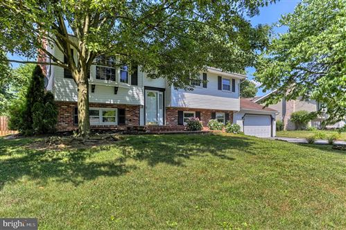 Photo of 715 HAROLD AVE, MOUNT JOY, PA 17552 (MLS # PALA165524)