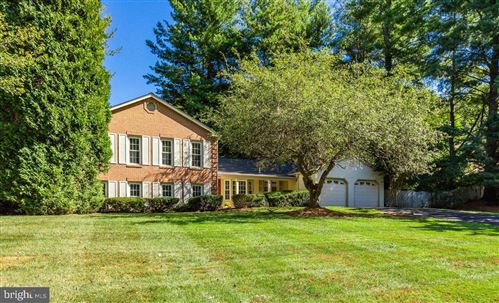 Photo of 1833 BATTEN HOLLOW RD, VIENNA, VA 22182 (MLS # VAFX1094524)