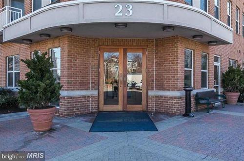 Photo of 23 PIERSIDE DR #232, BALTIMORE, MD 21230 (MLS # MDBA515526)
