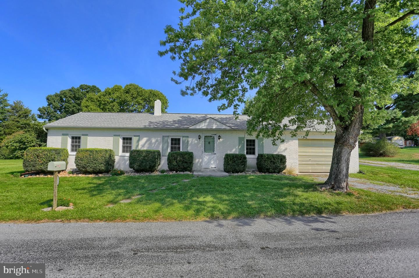 Photo of 21636 BLACK ROCK RD, HAGERSTOWN, MD 21740 (MLS # MDWA174528)