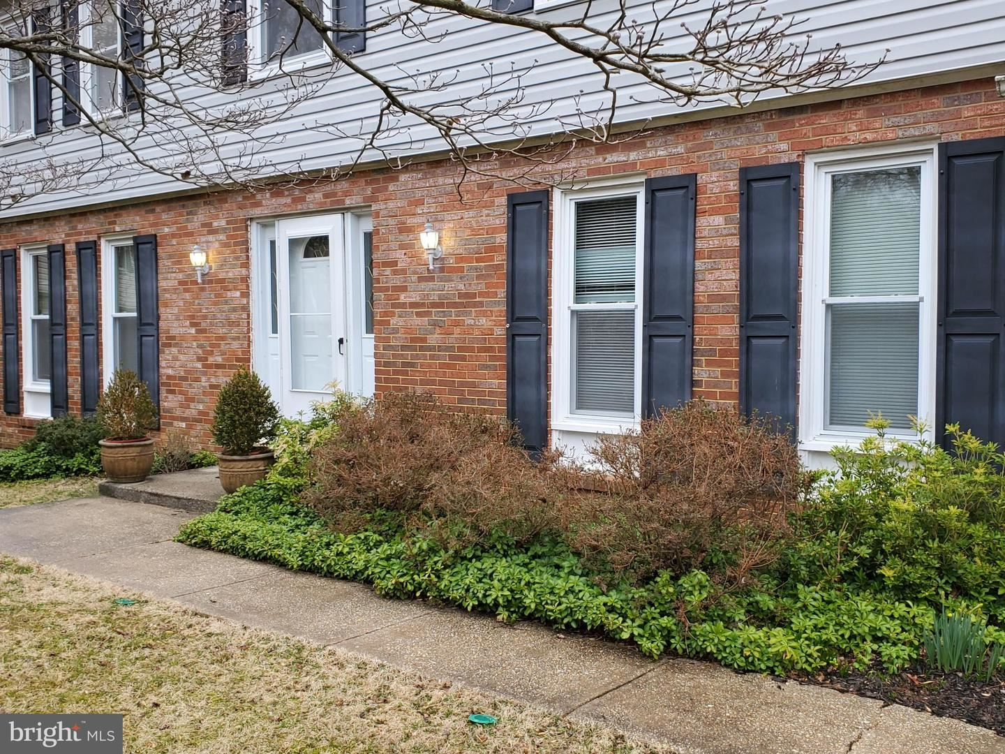 Photo of 15309 BUNCHBERRY CT, NORTH POTOMAC, MD 20878 (MLS # MDMC693530)