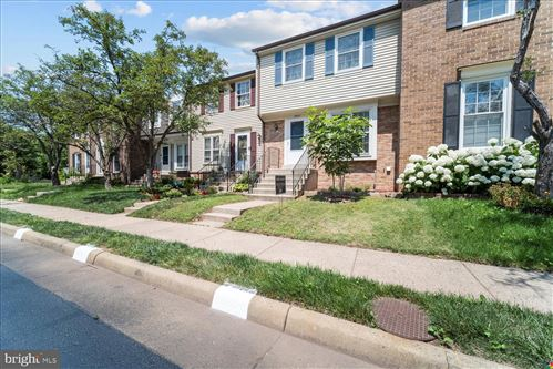 Photo of 5909 GRISBY HOUSE CT, CENTREVILLE, VA 20120 (MLS # VAFX2006532)