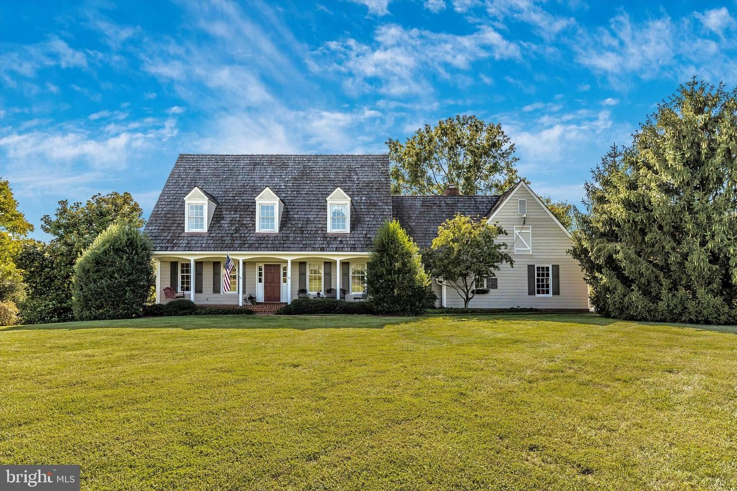 Photo of 17240 EDWARDS FERRY RD, POOLESVILLE, MD 20837 (MLS # MDMC2013532)