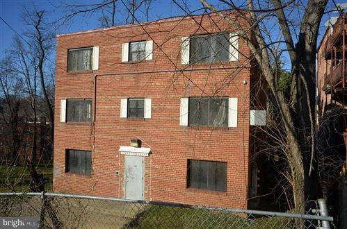 Photo of 302 ATLANTIC ST SE, WASHINGTON, DC 20032 (MLS # DCDC503536)