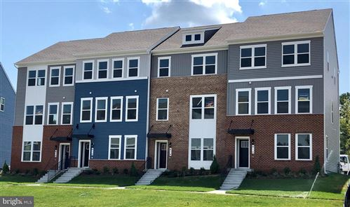 Photo of 307 BRIGHT LIGHT CT, EDGEWATER, MD 21037 (MLS # MDAA421536)