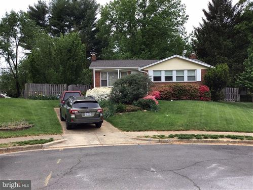 Photo of 413 ORLEANS CIR SW, VIENNA, VA 22180 (MLS # VAFX1199536)