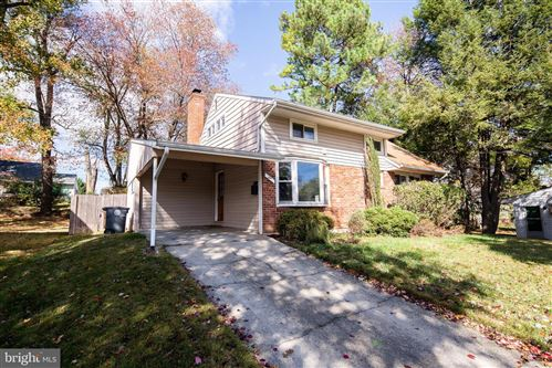 Photo of 7 PACA PL, ROCKVILLE, MD 20852 (MLS # MDMC686540)