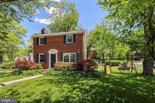 Photo of 2916 PARKER AVE, SILVER SPRING, MD 20902 (MLS # MDMC758540)