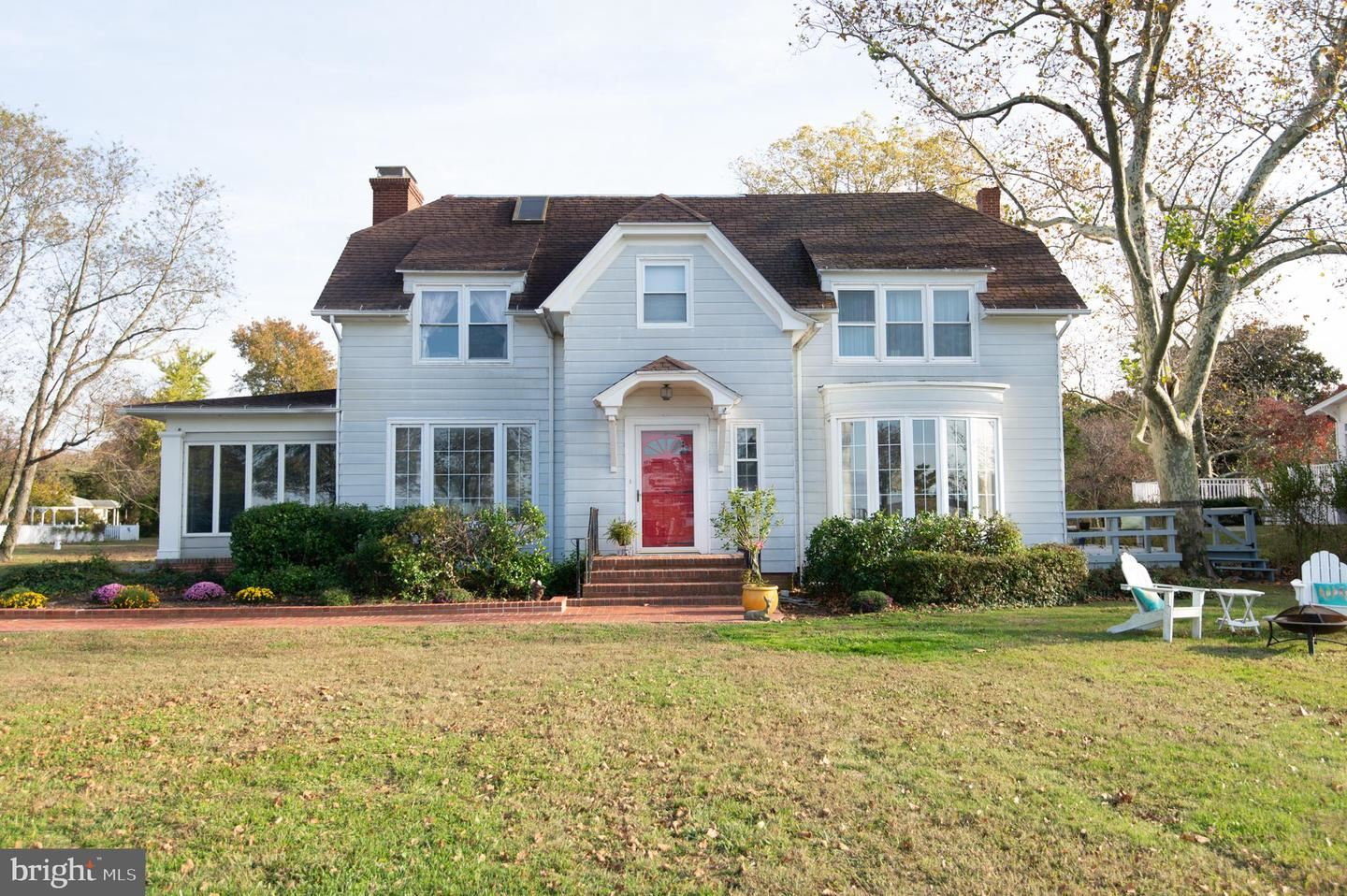 Photo for 114 RIVERSIDE DR, CAMBRIDGE, MD 21613 (MLS # MDDO124540)