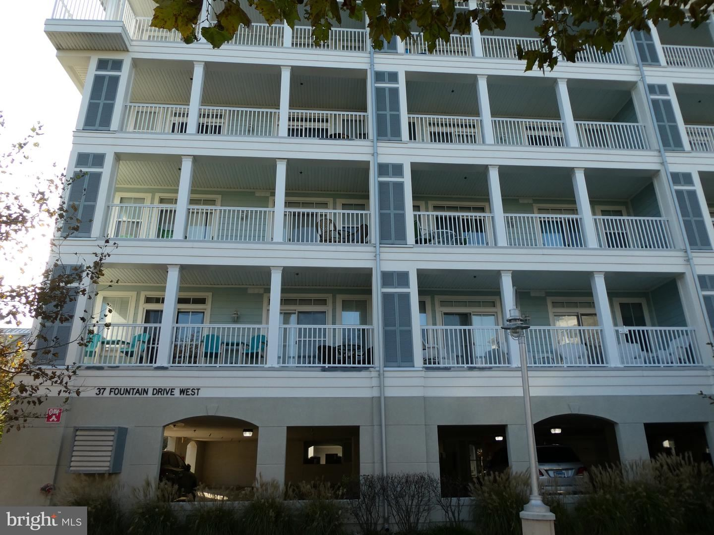 Photo for 37 FOUNTAIN DR W #2D, OCEAN CITY, MD 21842 (MLS # MDWO113540)