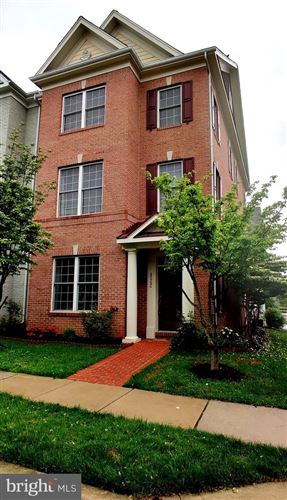 Photo of 822 ROYAL CRES, ROCKVILLE, MD 20850 (MLS # MDMC757542)