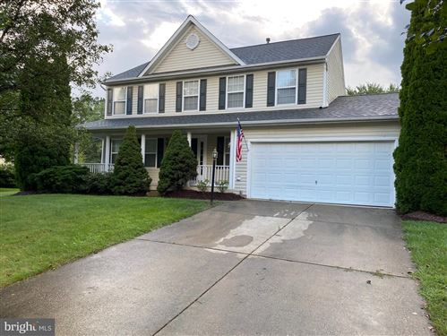 Photo of 613 WINTERGREEN DR, PURCELLVILLE, VA 20132 (MLS # VALO420544)