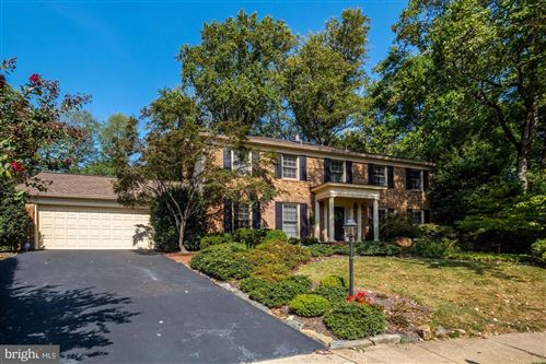 Photo of 1310 ROUND OAK CT, MCLEAN, VA 22101 (MLS # VAFX1092546)