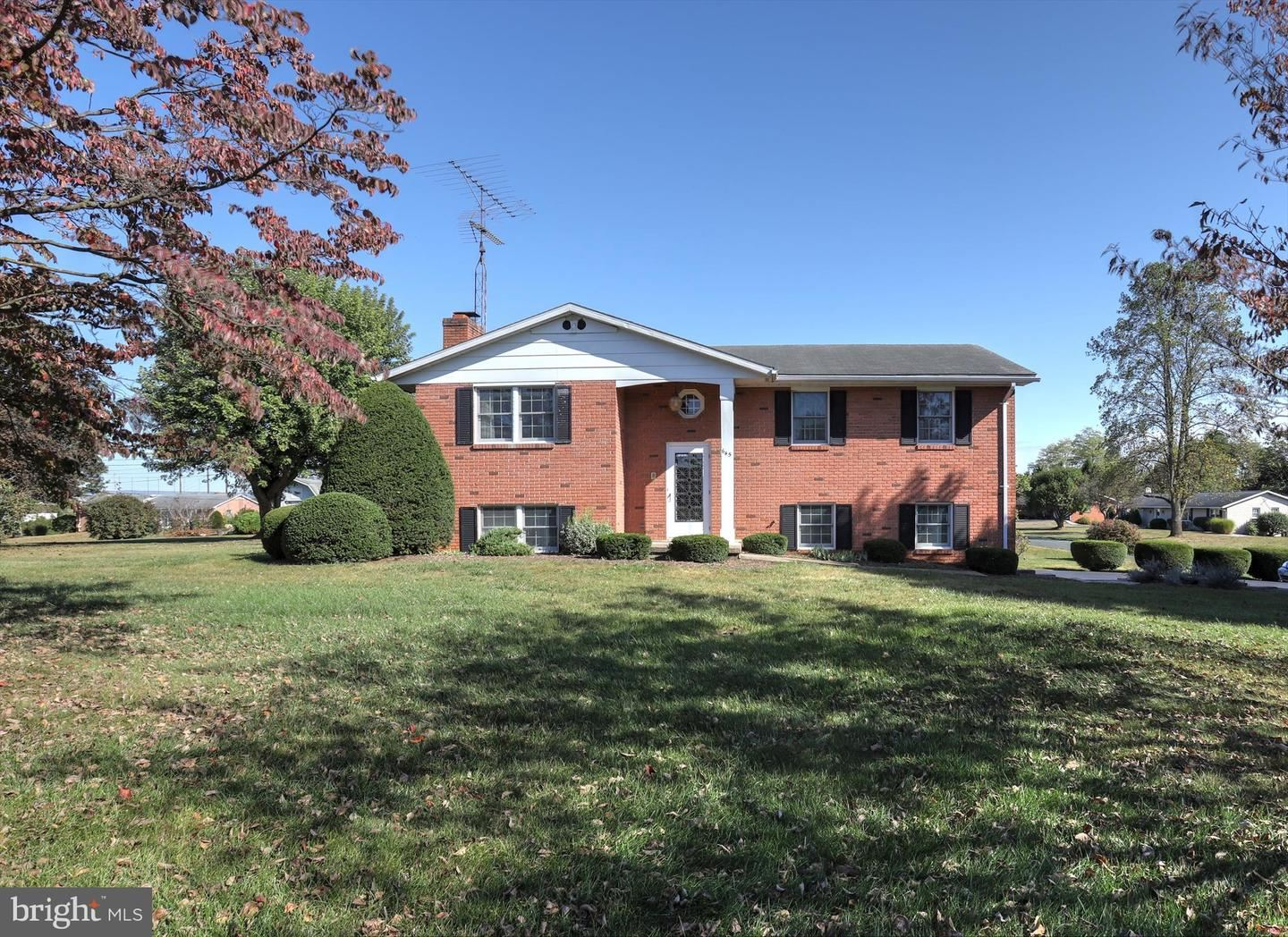 645 LEE DR, Greencastle, PA 17225 - #: PAFL170546