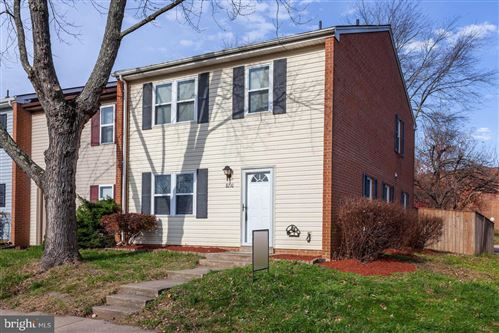 Photo of 8210 WYCLIFFE CT, MANASSAS, VA 20109 (MLS # VAPW510548)