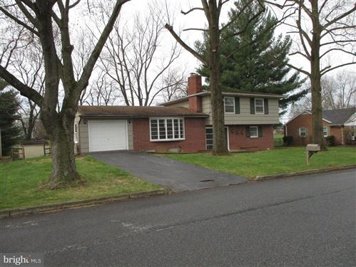 Photo of 13523 DONNYBROOK DR, HAGERSTOWN, MD 21742 (MLS # MDWA171550)
