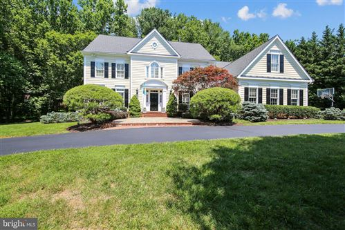 Photo of 13007 MIMOSA FARM CT, ROCKVILLE, MD 20850 (MLS # MDMC715552)