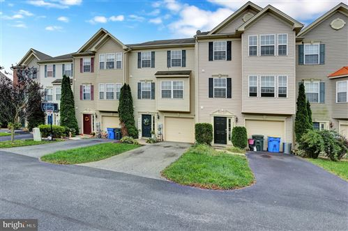 Photo of 247 COUNTRY RIDGE DR #318, RED LION, PA 17356 (MLS # PAYK2006552)
