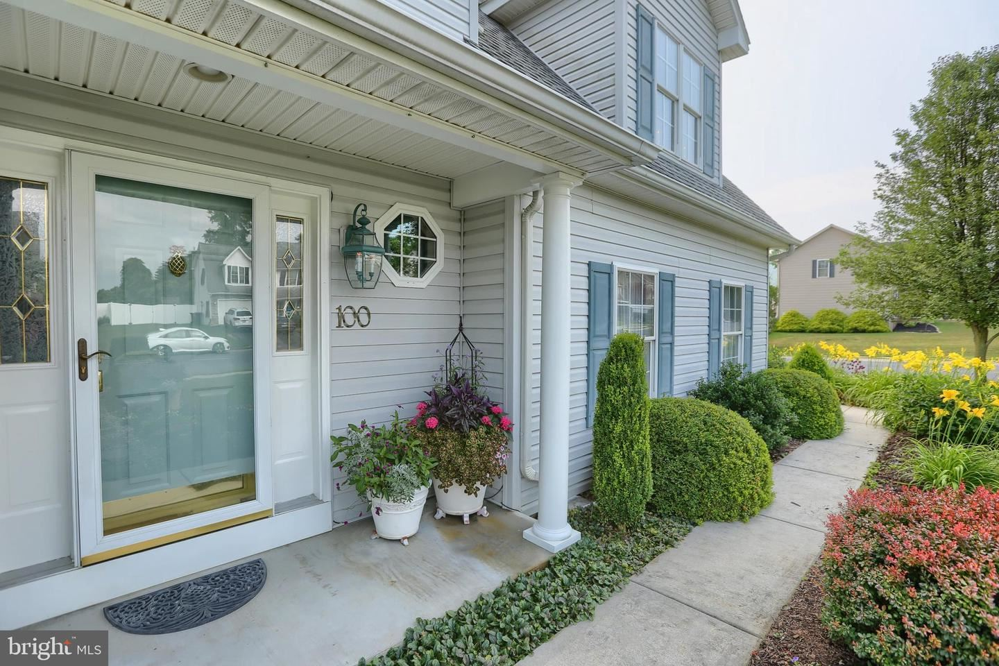 Photo of 100 WESTGATE DR, MOUNT HOLLY SPRINGS, PA 17065 (MLS # PACB126552)