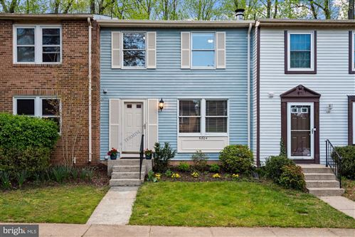 Photo of 6804 MONTIVIDEO SQUARE CT, FALLS CHURCH, VA 22043 (MLS # VAFX1193554)