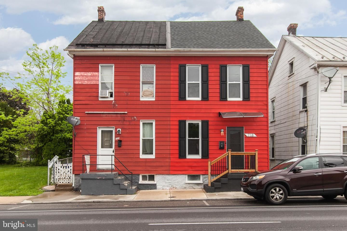 Photo of 718 W FRANKLIN ST, HAGERSTOWN, MD 21740 (MLS # MDWA179554)