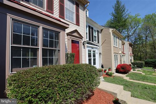 Photo of 7658 NORTHERN OAKS CT, SPRINGFIELD, VA 22153 (MLS # VAFX1192556)