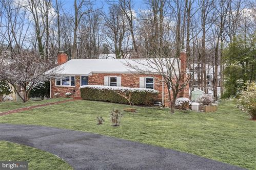 Photo of 1720 BEULAH RD, VIENNA, VA 22182 (MLS # VAFX1104560)