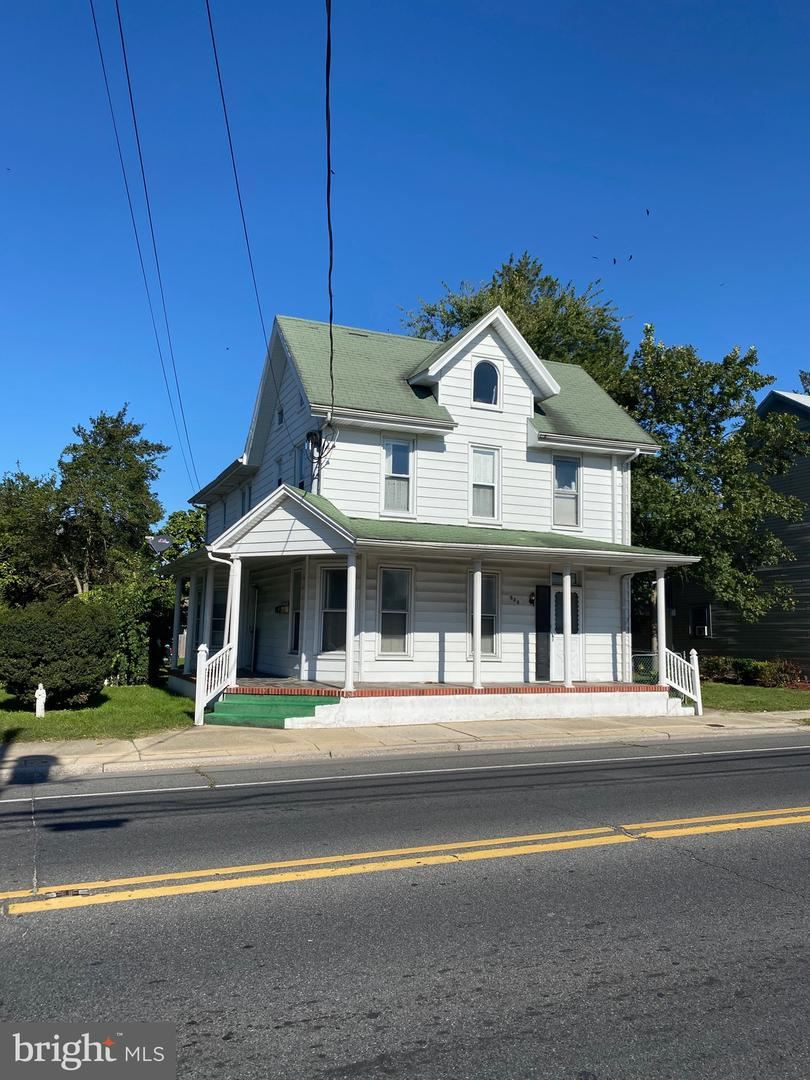 Photo of 321 E MARKET ST, GEORGETOWN, DE 19947 (MLS # DESU171560)