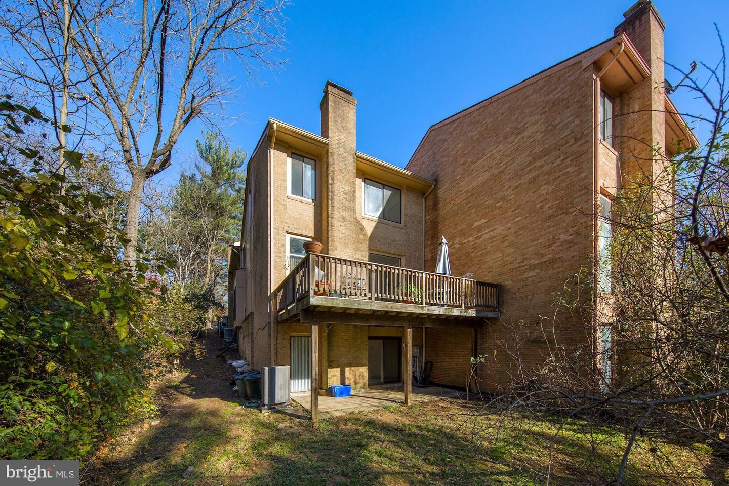 Photo of 7 GREAT PINES CT, ROCKVILLE, MD 20850 (MLS # MDMC735562)