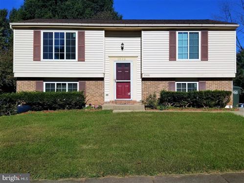 Photo of 2900 ASHDOWN FOREST DR, HERNDON, VA 20171 (MLS # VAFX1191572)