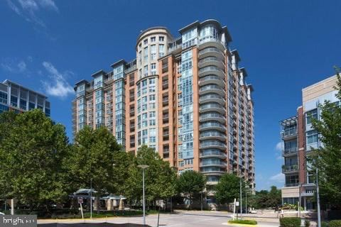 Photo of 8220 CRESTWOOD HEIGHTS DR #1209, MCLEAN, VA 22102 (MLS # VAFX1165574)