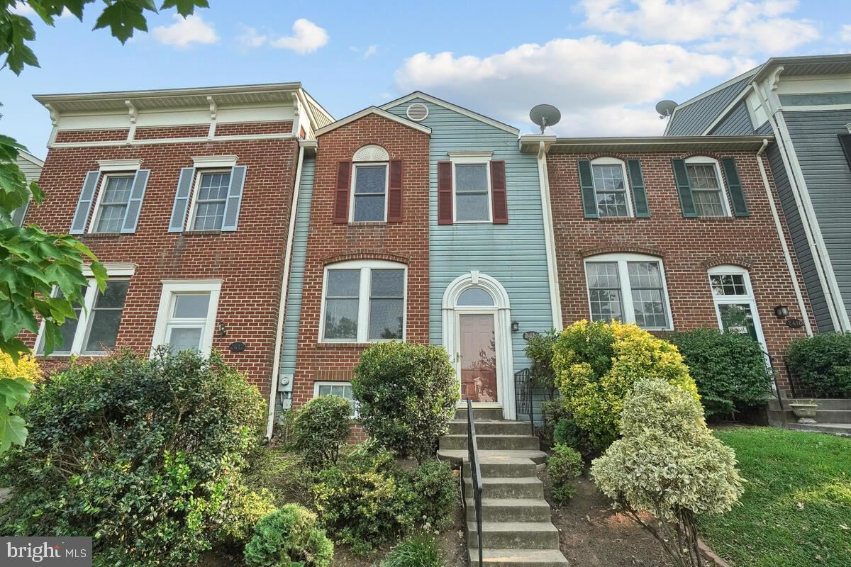 Photo of 2414 DUNMORE CT, FREDERICK, MD 21702 (MLS # MDFR2002574)