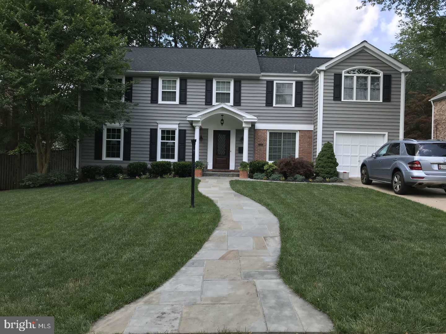 Photo of 11308 ROLLING HOUSE RD, ROCKVILLE, MD 20852 (MLS # MDMC714574)