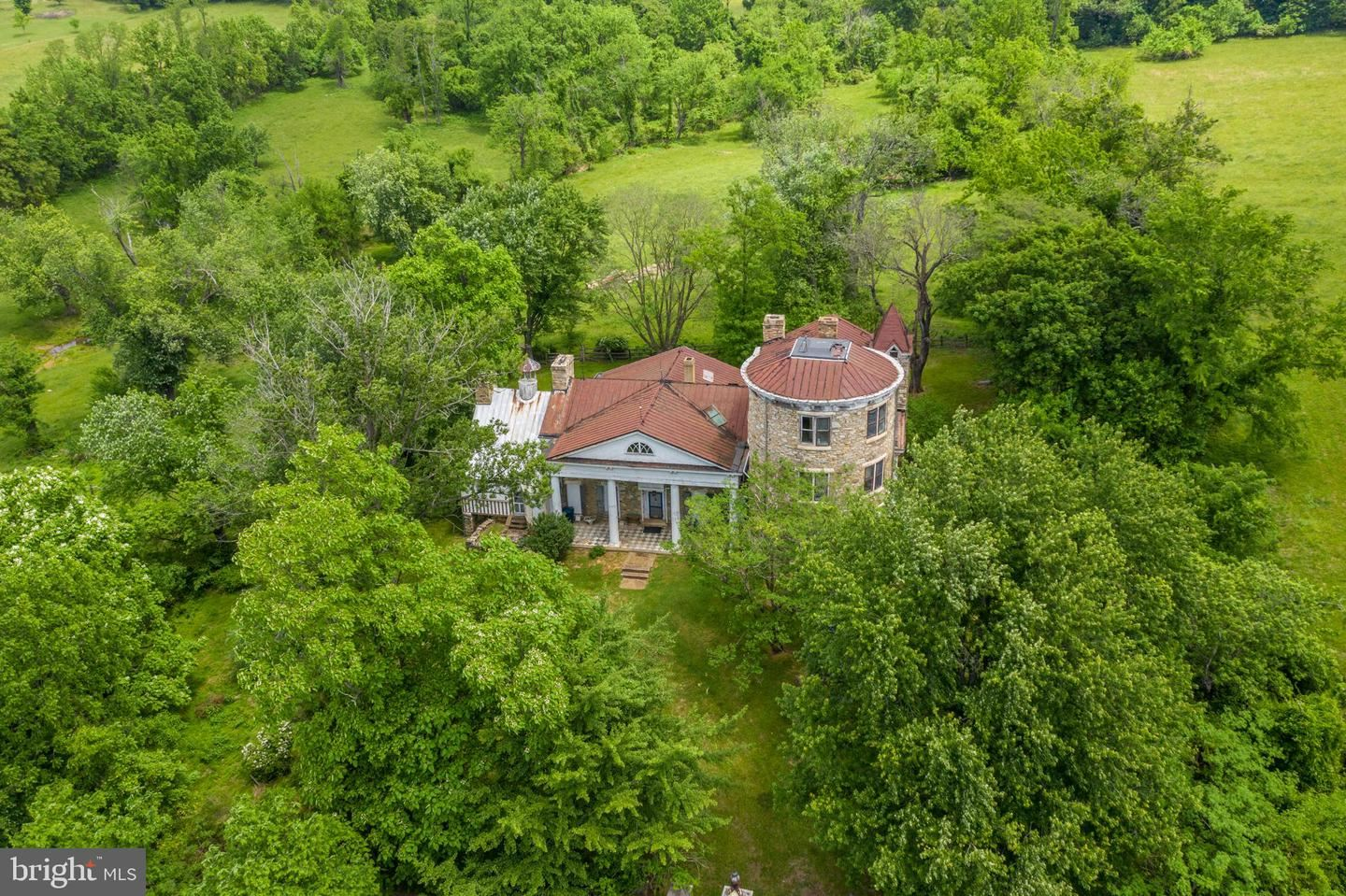 Photo of 40860 BROWNS LN, WATERFORD, VA 20197 (MLS # VALO412574)