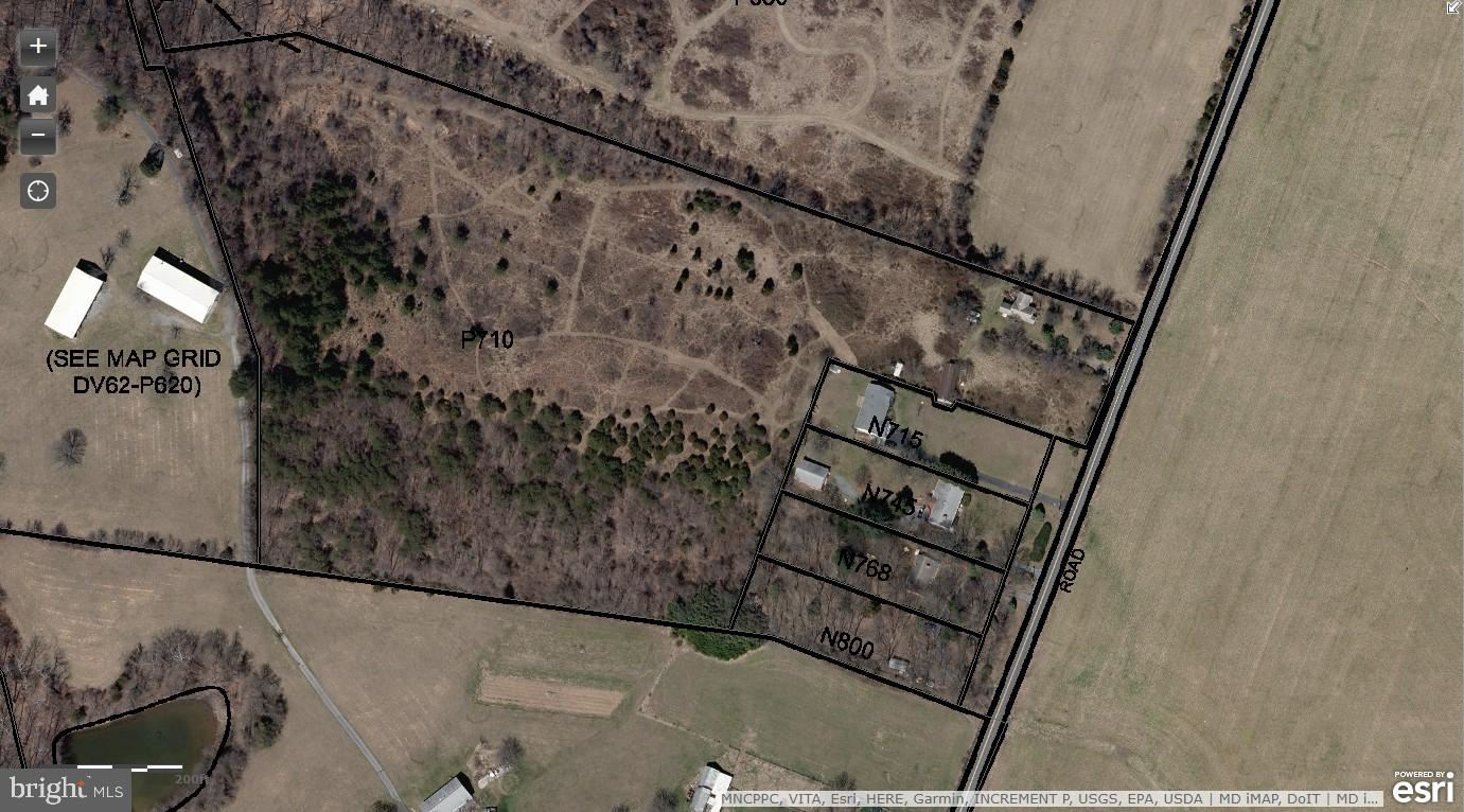 Photo of 21700 CLARKSBURG RD, BOYDS, MD 20841 (MLS # MDMC724576)