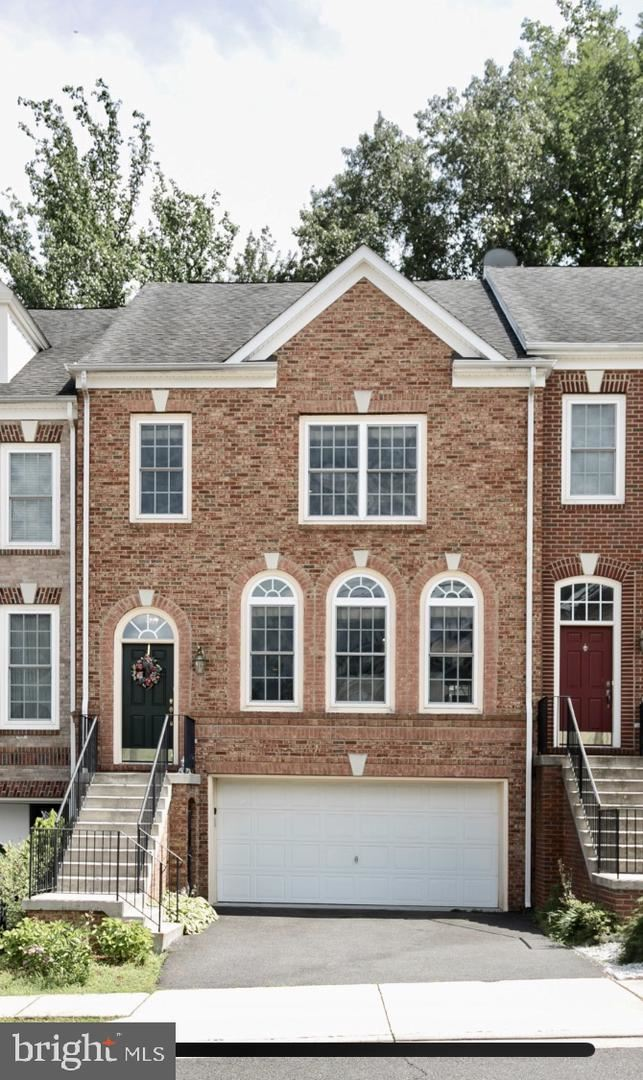 Photo of 12151 BRIDGEND RUN, FAIRFAX, VA 22030 (MLS # VAFX1110576)