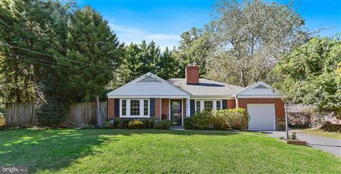 Photo of 9000 SPRING HILL LN, CHEVY CHASE, MD 20815 (MLS # MDMC2000577)
