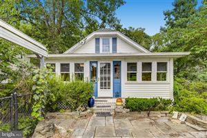 Photo of 700 HOLLYWOOD AVE, SILVER SPRING, MD 20904 (MLS # MDMC675578)