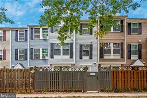 Photo of 23 WHITECHURCH CT, GERMANTOWN, MD 20874 (MLS # MDMC683578)