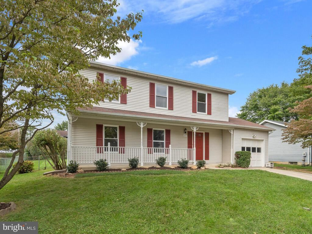 Photo of 843 BRIAR CT, FREDERICK, MD 21701 (MLS # MDFR270578)