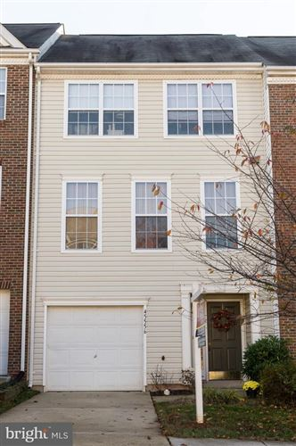 Photo of 45556 LAKEMONT SQ, STERLING, VA 20165 (MLS # VALO407586)