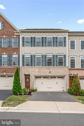 Photo of 25130 DEERHURST TER, CHANTILLY, VA 20152 (MLS # VALO421588)