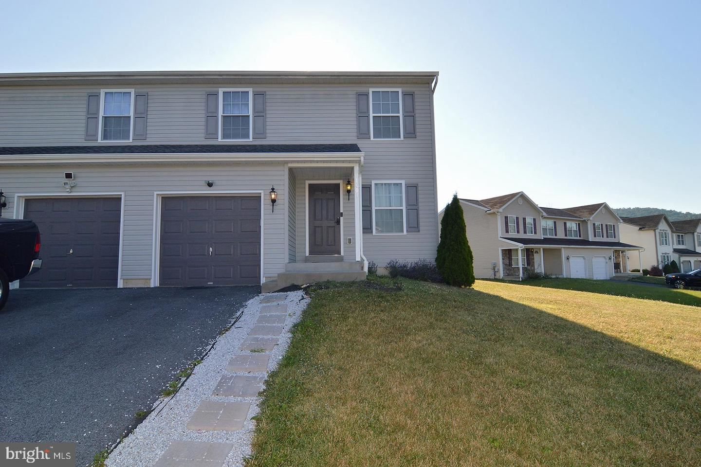 Photo for 1001 GREGORY LN, TEMPLE, PA 19560 (MLS # PABK359588)